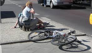 自転車で自分がケガをしたり、他人に怪我を負わせた賠償責任を補償