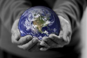 人の命は地球より重いですね