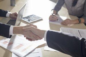 契約手続きや方法に、無理が効くのも代理店ならでは。