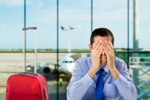 自分は空港に到着しているのに、何で一緒に飛行機に積まれているはずの預け入れ手荷物が出てこない!?
