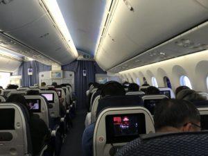 機内では湿度も20%程度しかありません。