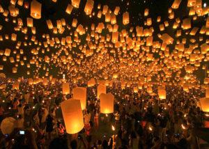 70歳を越えたご夫婦が、タイで11月に行われるロイクラトン祭りに行ってきます!