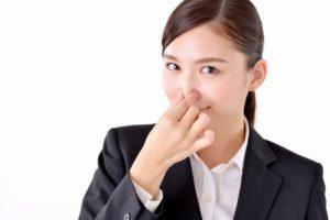脳梗塞予備軍のチェックには、耳と鼻を交互につまむ体操で!