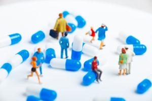 アメリカでは製薬会社が自由に値段を決められるため、驚くほどの高額な薬剤費となります。