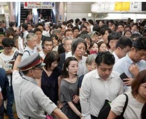 航空機遅延は、交通機関の遅延だけでは対象にはなりません。